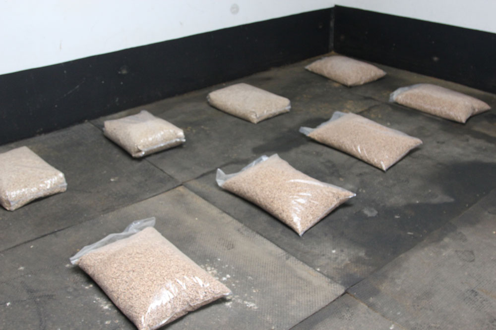 bedding-pellets-bags