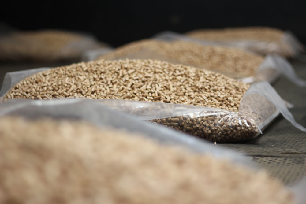 Wood Pellets Are Used For What ~ How to use wood pellets for horse bedding ecowood